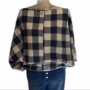 White birch white/black plaid long sleeve sweater